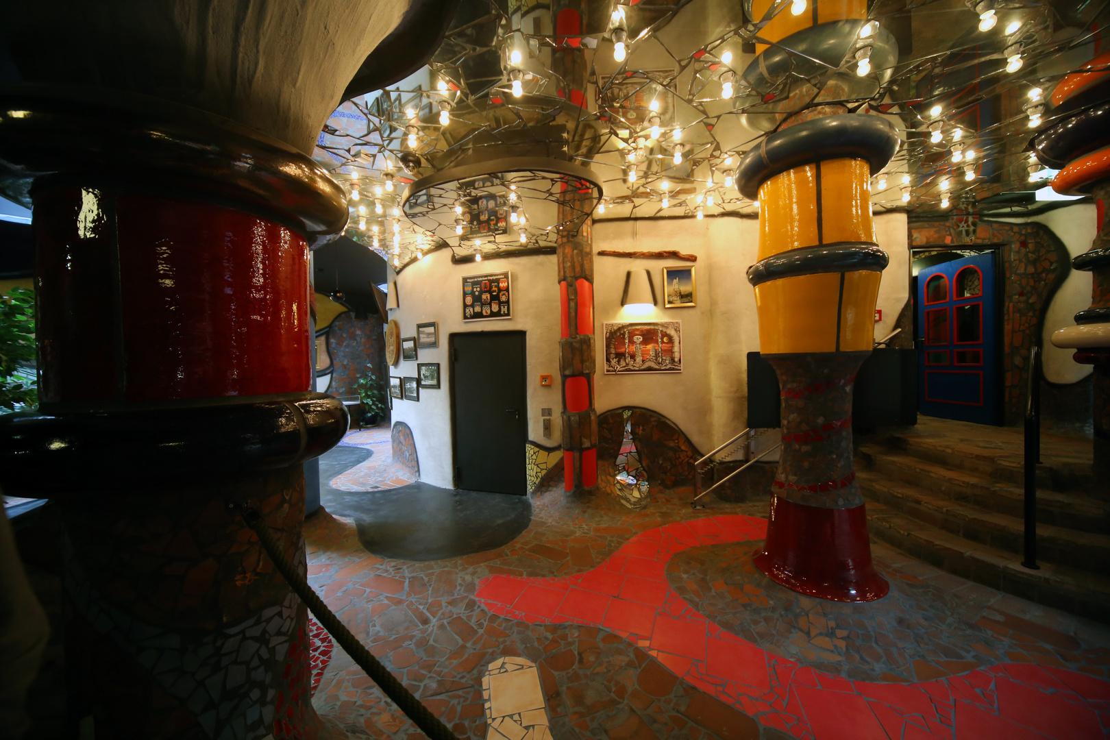 Im Hundertwasserturm beim Kuchlbauer
