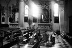 Im Innenraum der Kirche von Milna 2