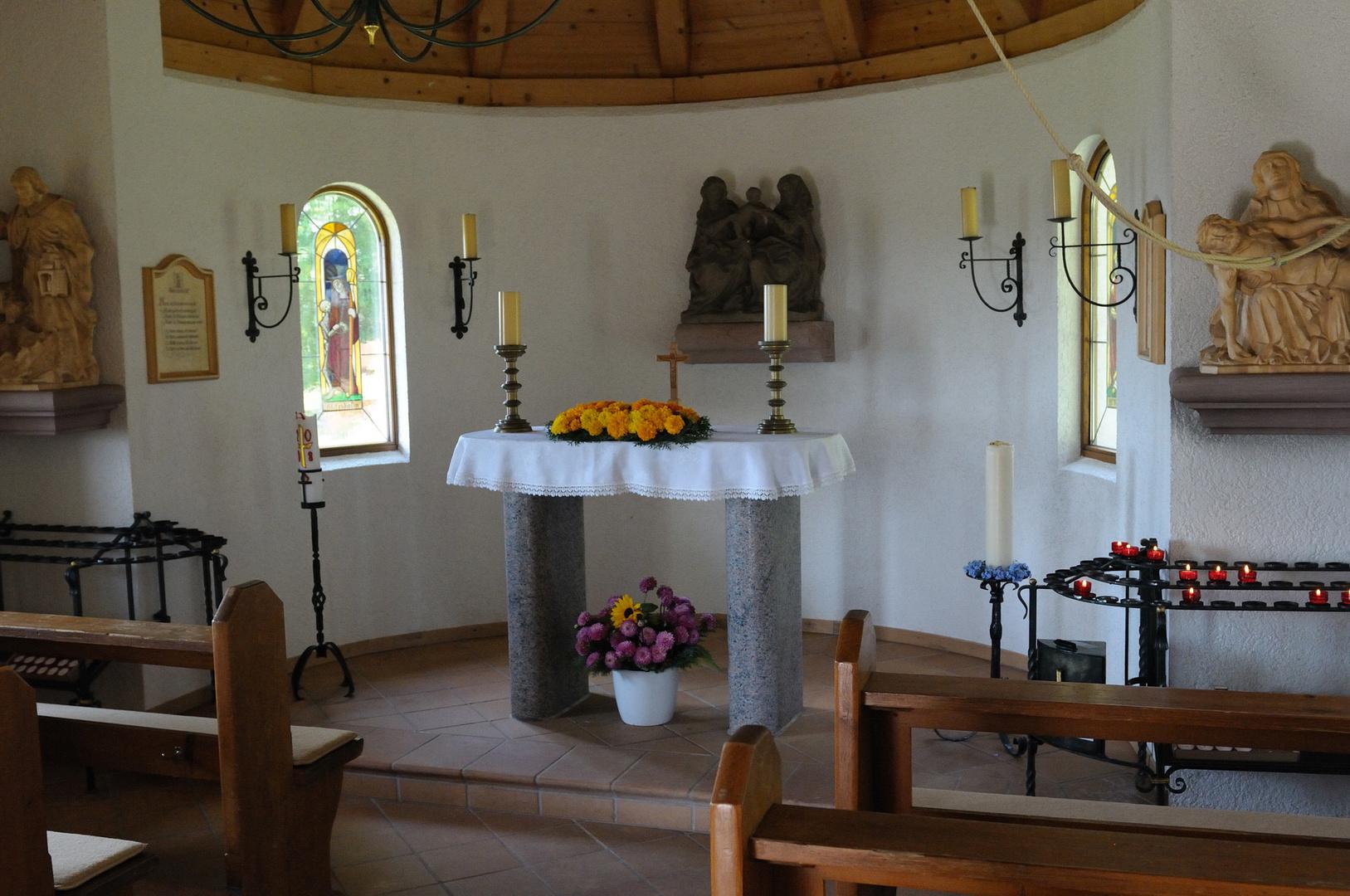 Im Inneren der Wittlisberger-Kapelle bei Häusern Foto & Bild ...