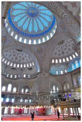 Im Innern der Blauen Moschee