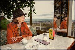 Im Kaffee am Cobencl in Wien