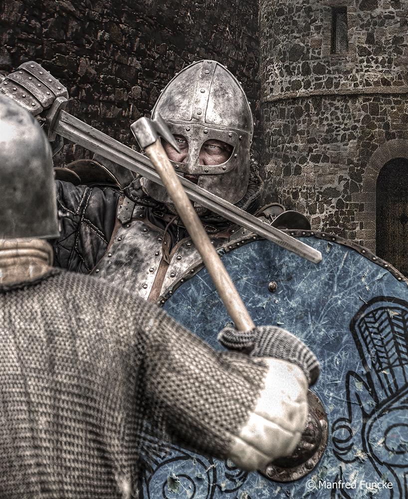 Im Kampf um die Burg