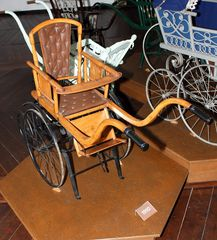 """Im Kinderwagenmuseum Zeitz (2) - Sport""""wagen"""""""