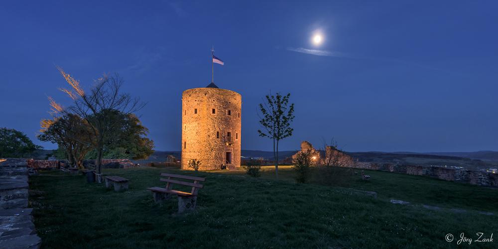 Im Mondschein bei der Hohenburg