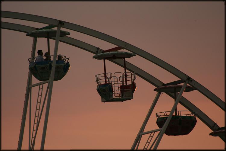 Im Riesenrad in den Abend