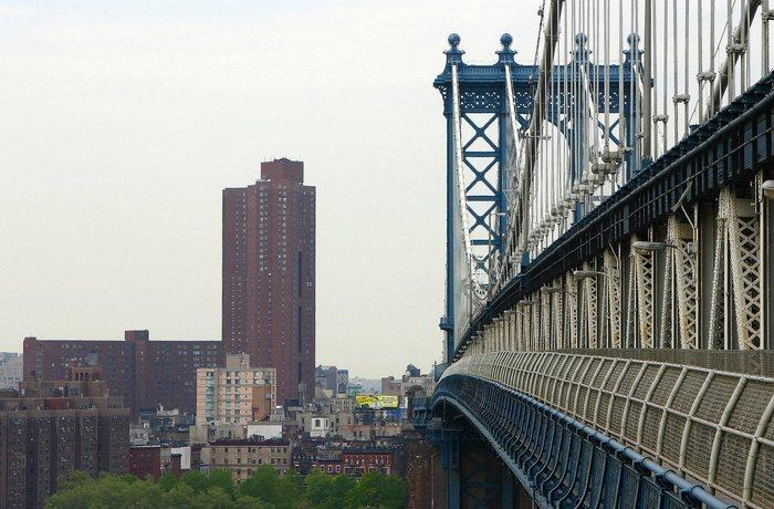 Im Schatten der Brooklyn Bridge