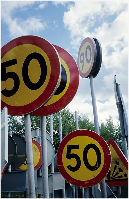 Im Schilderwald 2: 50+50+90=???