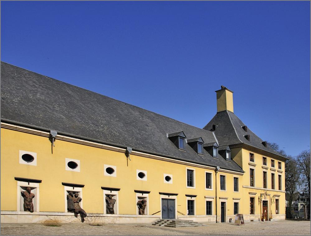 Im Schlosshof von Bettembourg
