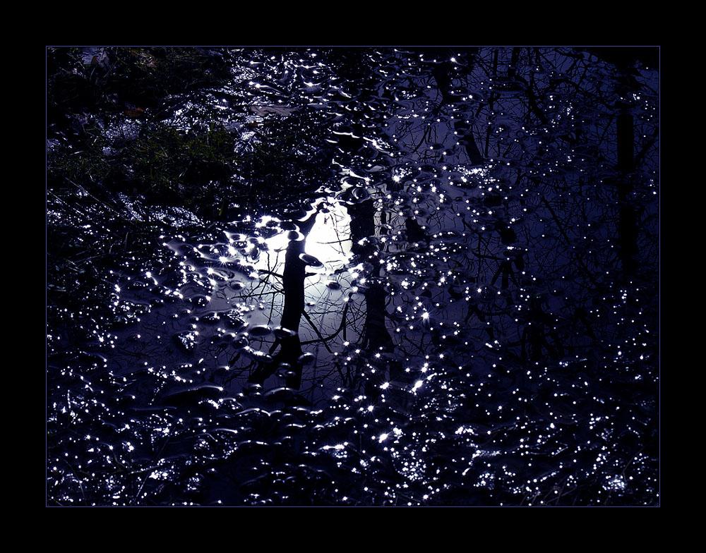 IM SOG DES UNENDLICHEN: ...je dunkler die Nacht...