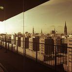 Im Spiegel der Elbphilharmonie