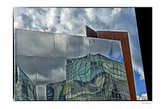 - im Spiegel der Zeit: das Van Gogh-Museum -