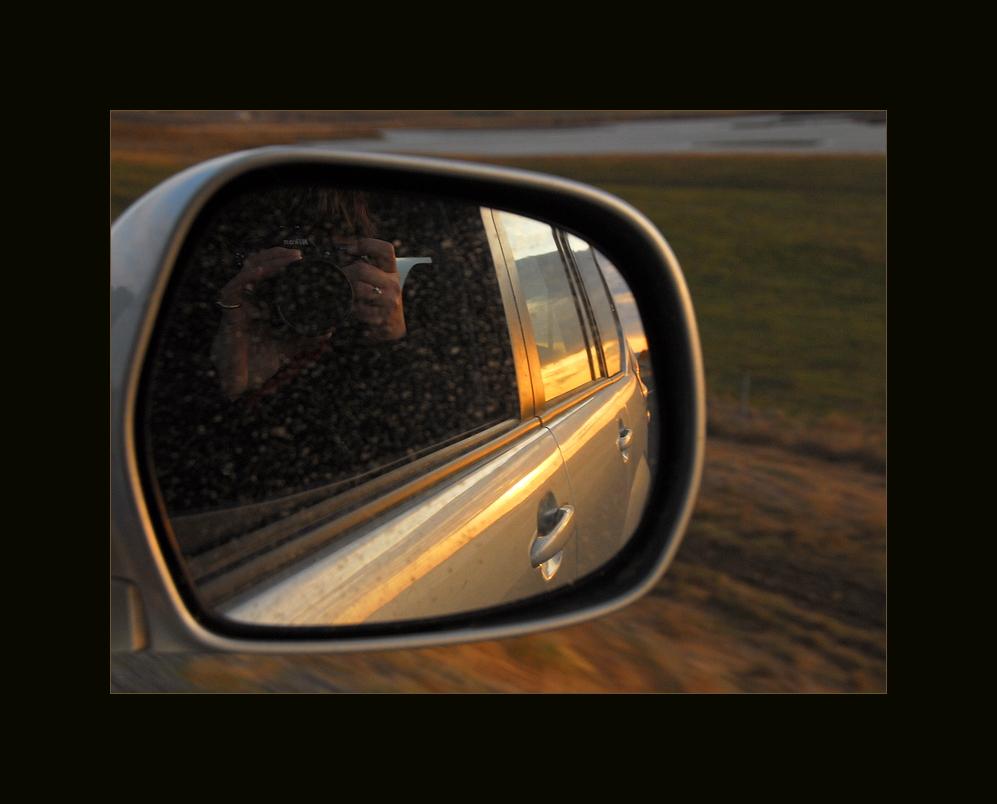Im Spiegel...unterwegs in Island !