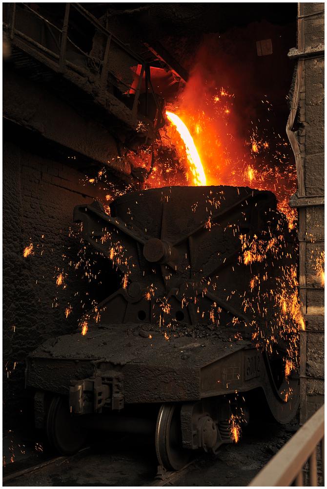 Im Stahlwerk XII - Am Hochofen I