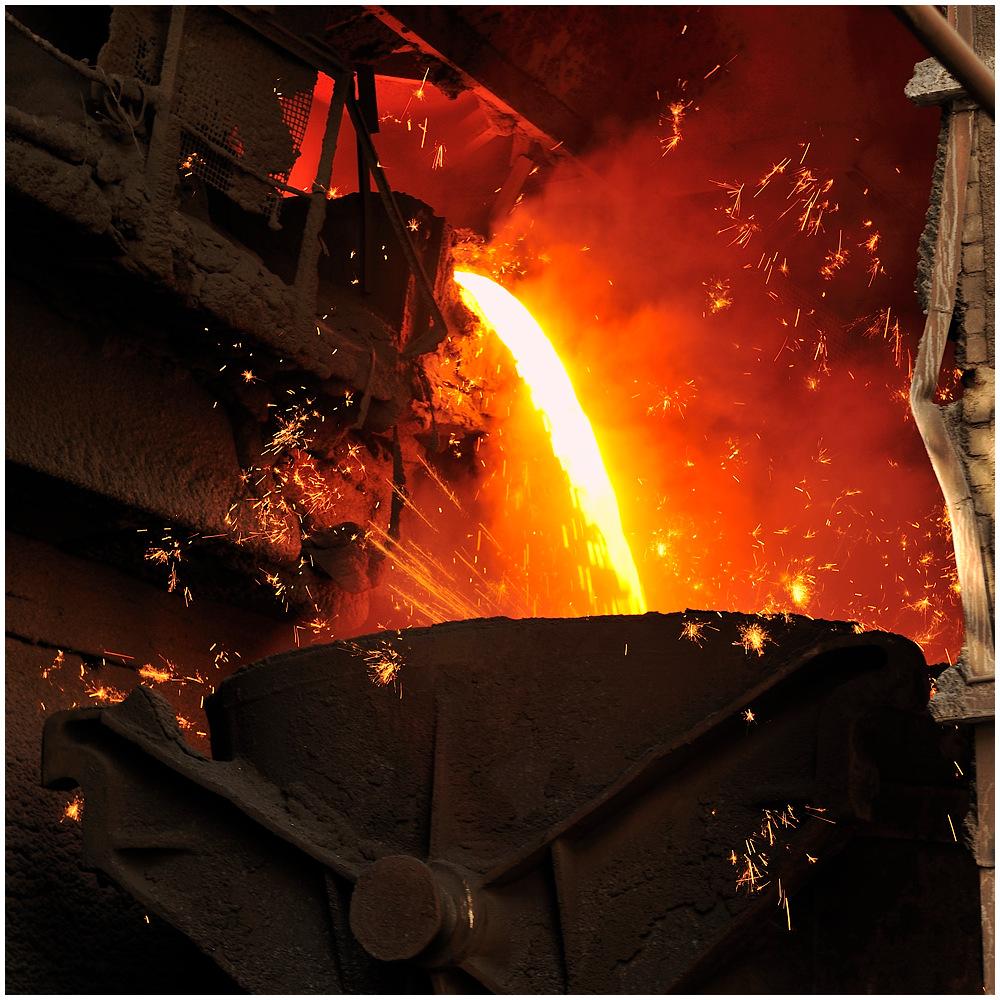 Im Stahlwerk XIII - Am Hochofen II
