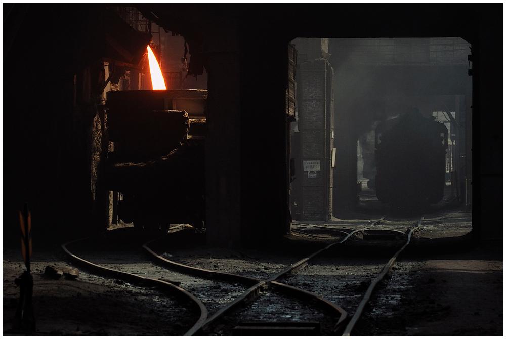 Im Stahlwerk XXXIV - Schlackeabstich im Tunnel