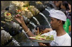 Im Tempel Tirtha Empul