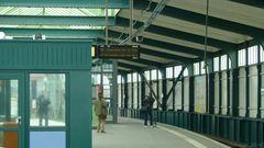 Im U-Bahnhof Gleisdreieck 001