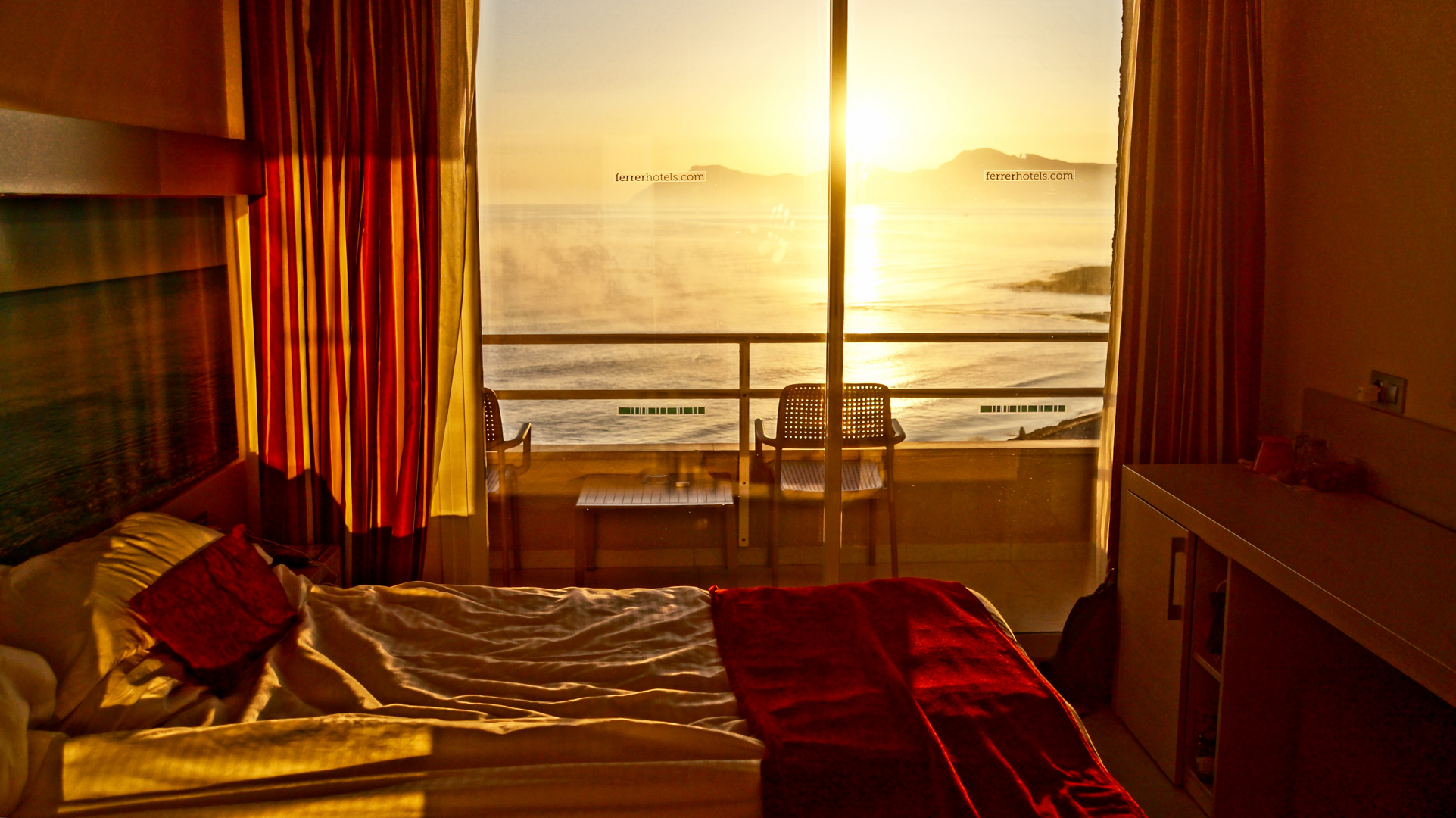 im Urlaub lass ich mich morgens von der Sonne wachküssen