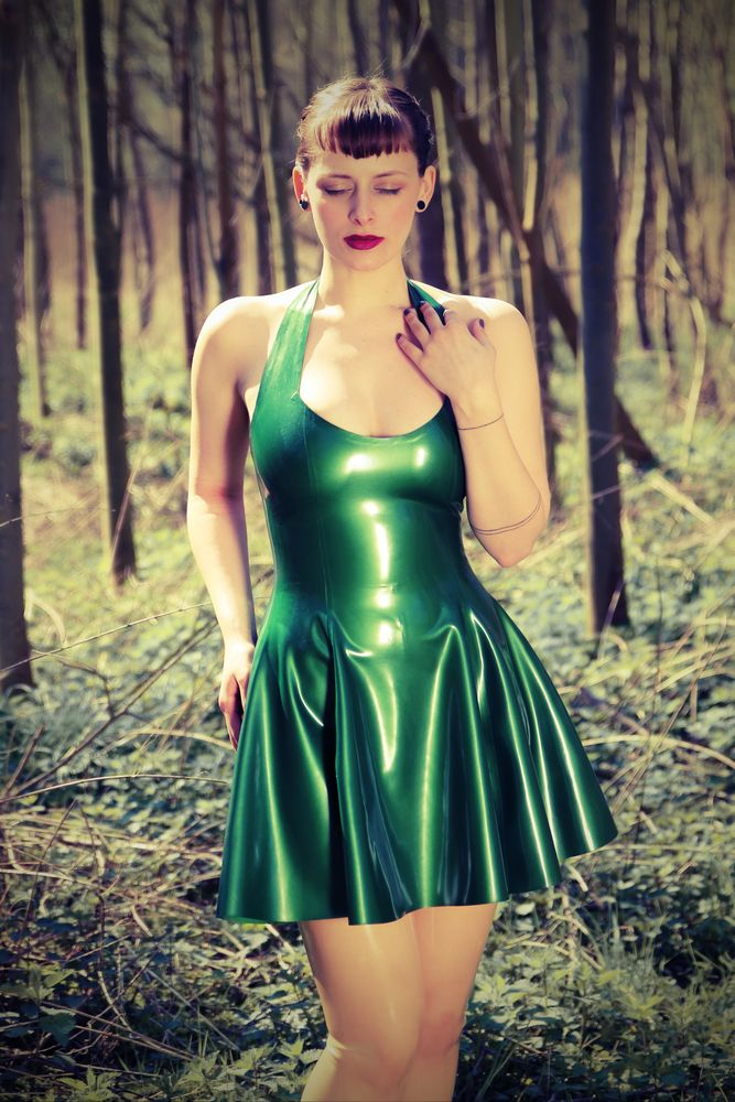 Im Wald Foto & Bild | outdoor, erotik, portrait Bilder auf