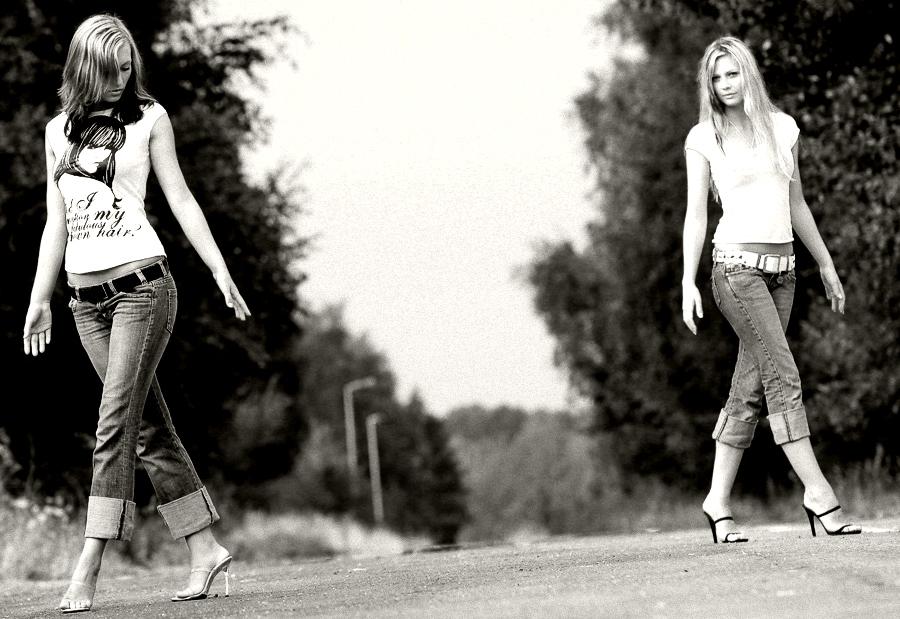 I´m Walking no, yes we´re walking together.