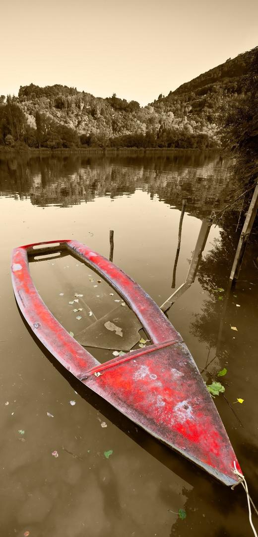Imbarcazione al lago di PIEDILUCO