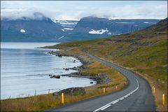 [ Immer am Fjord entlang ]