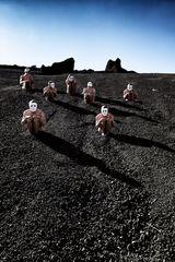 Immer mehr Männer werden illegal auf dem Mond verklappt!