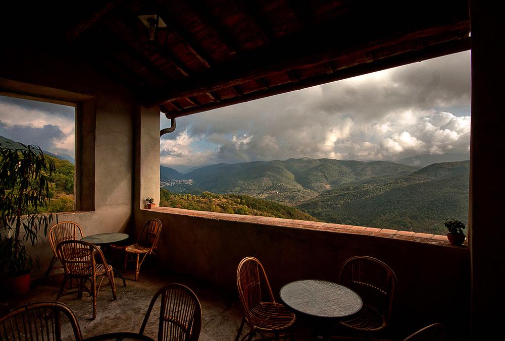 Immersi nel dolce silenzio della veranda