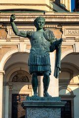 Imperatore romano Costantino, Milano