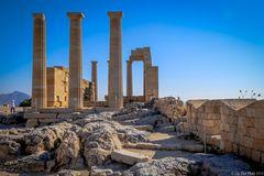 Imposante Säulen der Akropolis Lindos