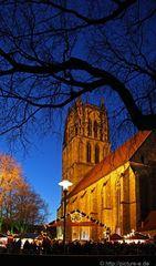 Impression vom Giebelhüüskenmarkt an der Überwasserkirche, 3. Advent...(1284)