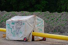 Impressionen von der Baustelle einer Gaspipeline: das Schweisserzelt