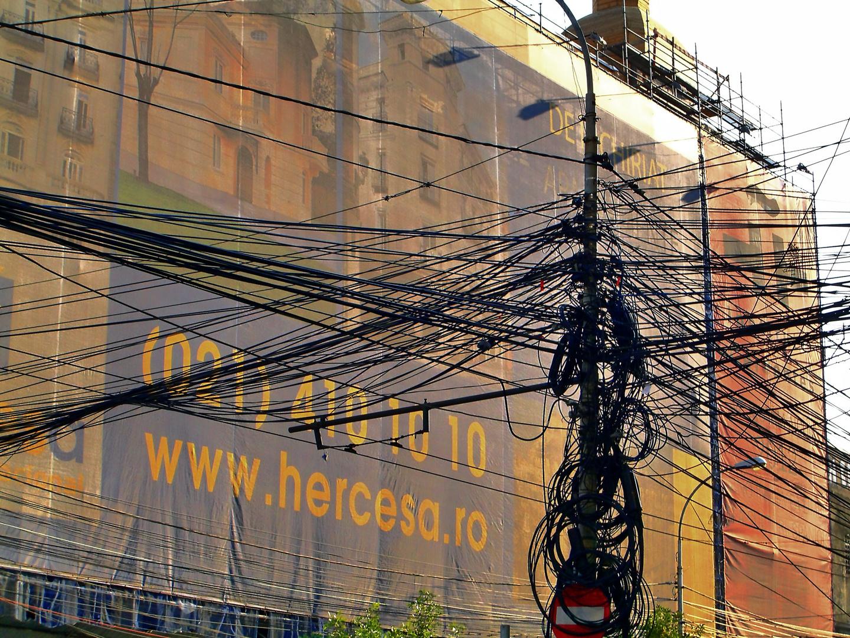 In Bukarest - Elektroinstallation - welcher Draht führt wohin??