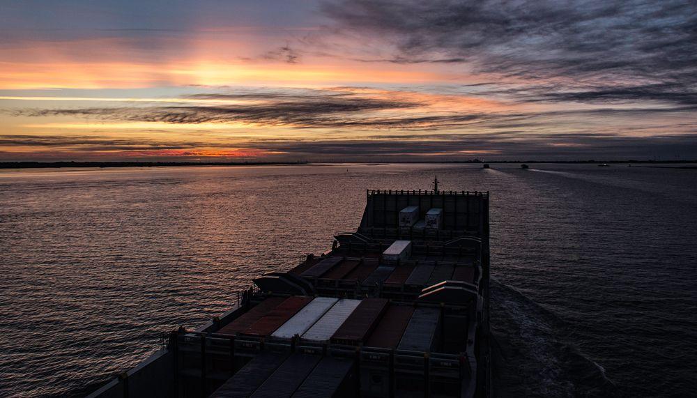 In den Abend , hinaus auf die Nordsee