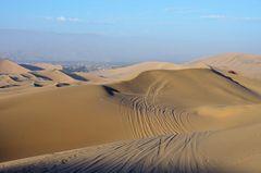 In den Dünen um Huacachina im Süden von Peru