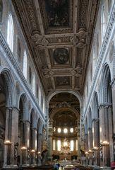 In der Kathedrale von Neapel