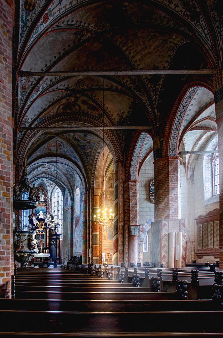 In der Kirche_ 1200