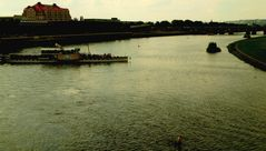 In der Mitte vom Fluss