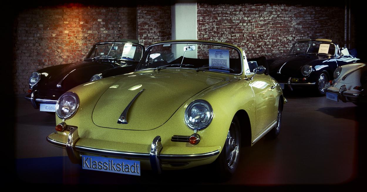 In der Porsche -Ecke !