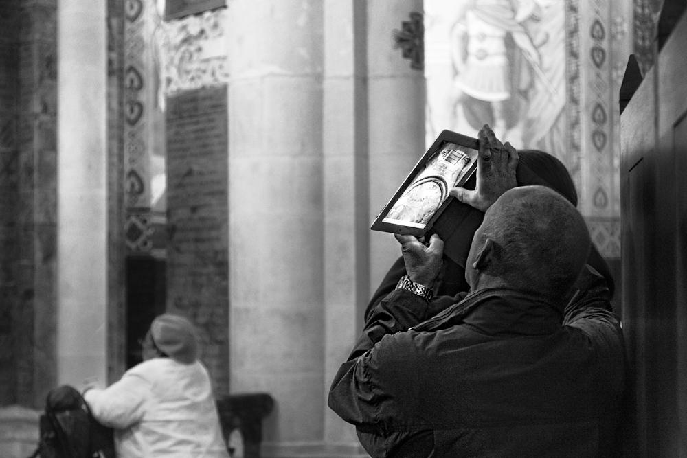 in der Rosenkranz-Basilika in Lourdes
