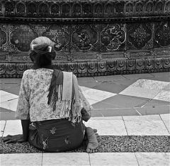 in der ruhe liegt liegt die kraft, shwedagon, burma 2011