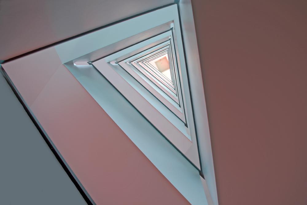 In Dreieck nach Oben
