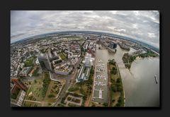 In Düsseldorf ist die Erde rund I