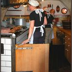 in historischer Küche appetitlich gebrutzelt