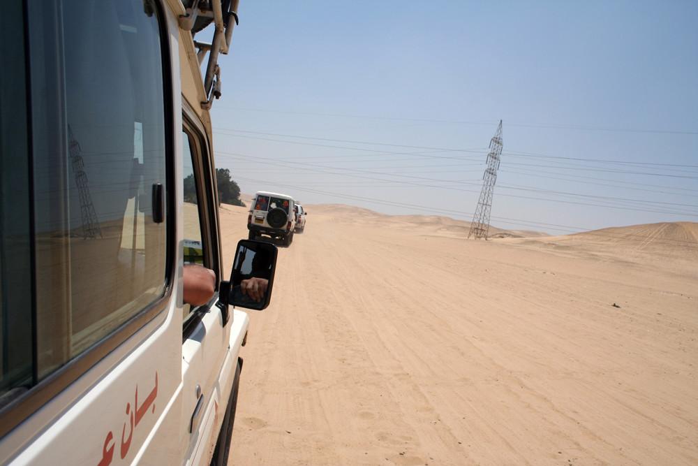 In Jeep nel deserto...