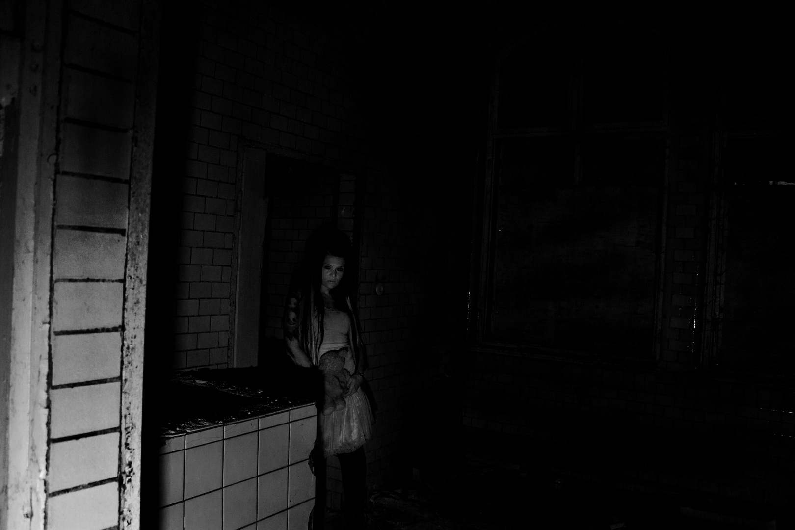 in the darkness i can see you