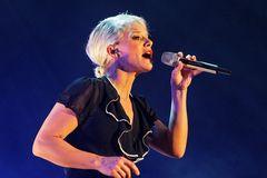 Ina Müller - singt