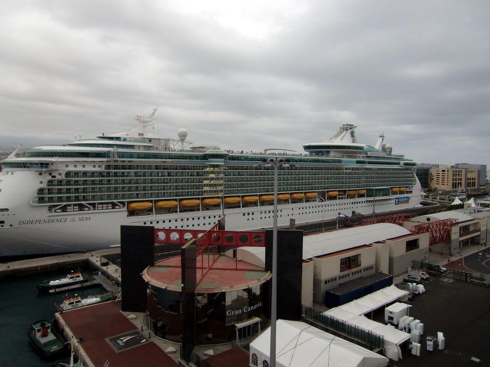 Independence of the Seas im Hafen von Gran Canaria (I)