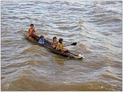 Indianerfamilie im Boot 1
