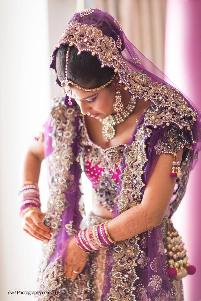 Wunderbar Lange Indische Kleider Für Hochzeiten Galerie ...